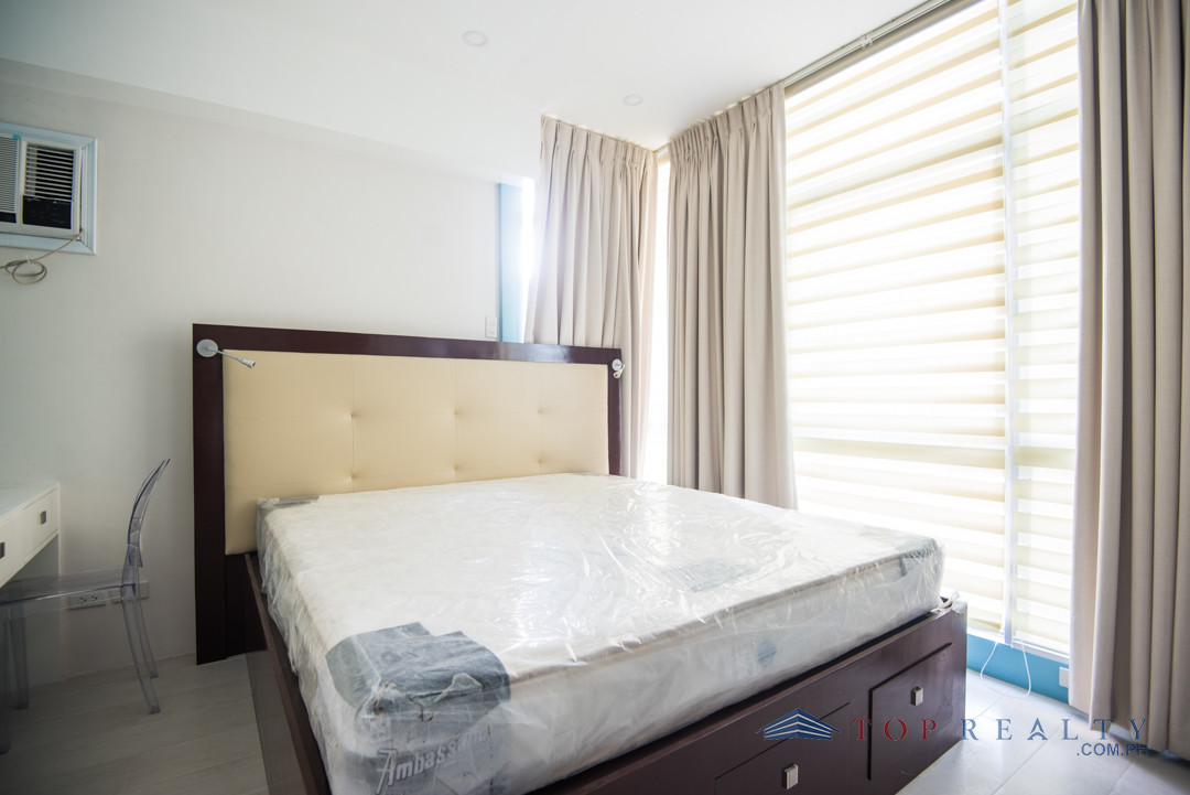 Room For Rent In Bonifacio Global City