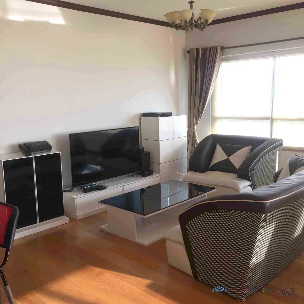 Three Bedrooms Condo (3BR) For